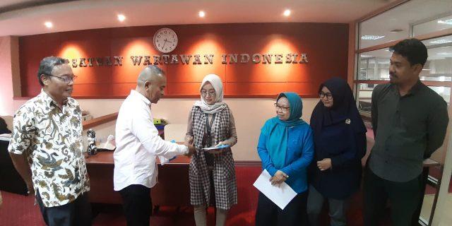 PWI Pusat Bantua Rekan-Rekan Pers Korban Banjir