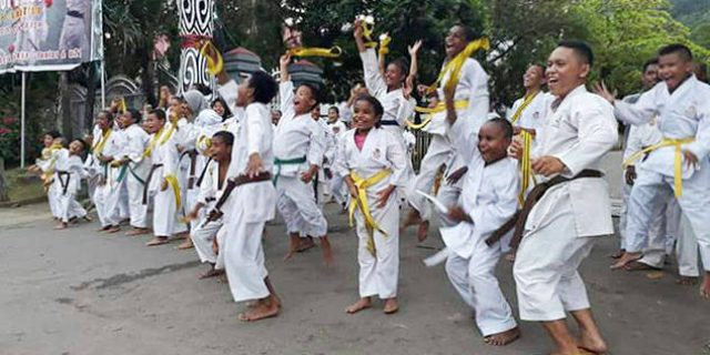 PON XX, 13 Karateka Papua Persiapan Fisik Umum