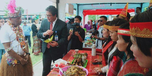 Lampet Makanan Khas Batak Jadi Rebutan di Stand KMB Kota Jayapura