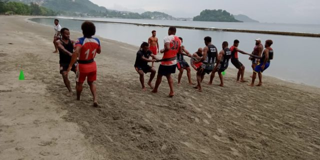 Sebelum Latihan Tim Rugby Selalu Ibadah Syukur