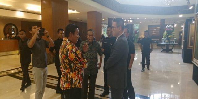 Kegiatan yang Mengatasnamakan MKGR di Hotel Sultan Ilegal