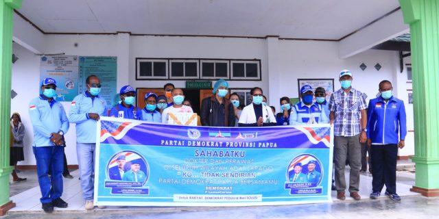 DPD Demokrat Papua Bagi 6000 Masker Gratis di Wamena